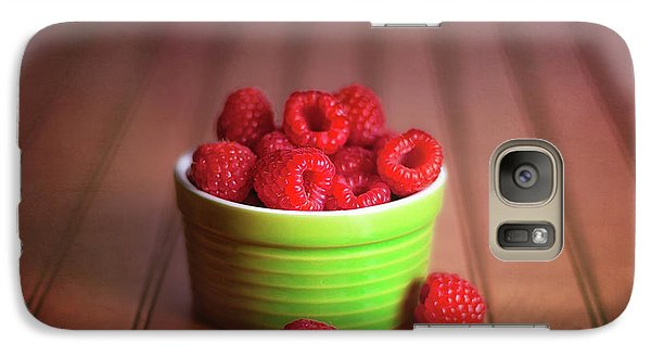 Red Raspberries Still Life Galaxy S7 Case by Tom Mc Nemar