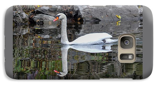 Reflecting Mute Swan Galaxy S7 Case