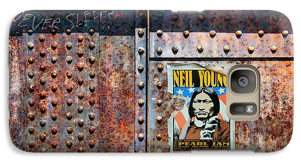 Neil Young Galaxy S7 Case - Rust Never Sleeps, Neil Young by Mal Bray