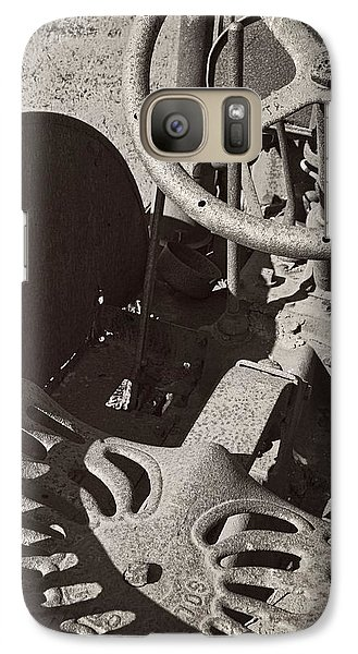 Galaxy S7 Case featuring the photograph Rusted Tractor by Michelle Calkins