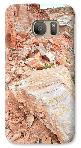 Galaxy Case featuring the photograph Sandstone Arrowhead In Valley Of Fire by Ray Mathis