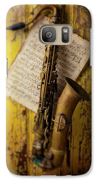 Saxophone Hanging On Old Wall Galaxy S7 Case