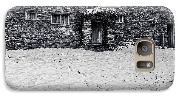 Galaxy Case featuring the photograph Shepherds Cottage by Keith Elliott
