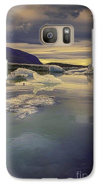 Galaxy Case featuring the photograph Skaftafellsjokull Lagoon by Nancy Dempsey
