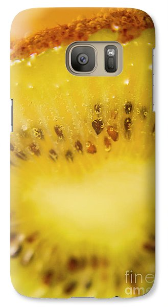Sliced Kiwi Fruit Floating In Carbonated Beverage Galaxy S7 Case