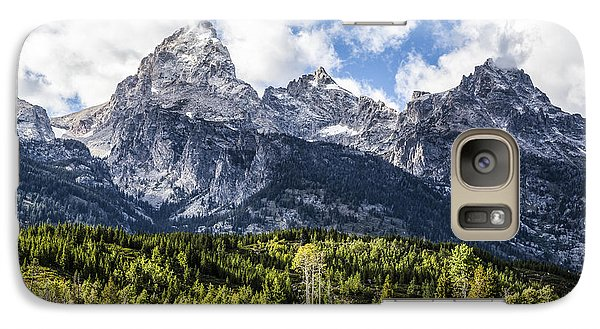 Small Cabin Below Big Mountain Galaxy S7 Case