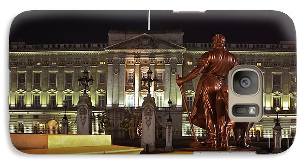 Galaxy Case featuring the photograph Statues View Of Buckingham Palace by Terri Waters