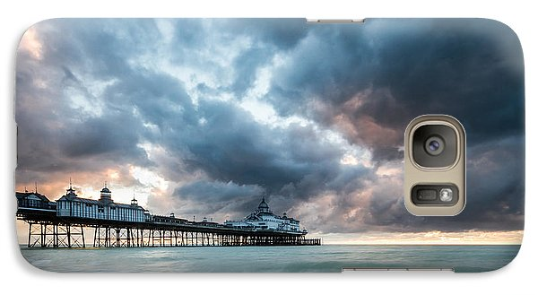 Stormy Sunrise Over Eastbourne Pier Galaxy S7 Case