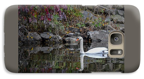 Swan In Autumn Reflections Galaxy S7 Case