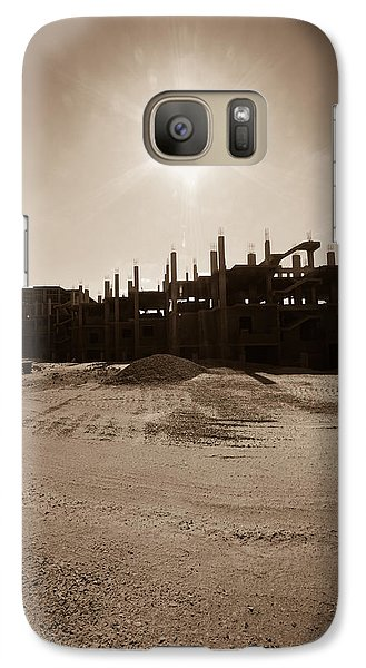 Galaxy Case featuring the photograph T R Lone by Jez C Self