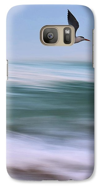 Galaxy Case featuring the photograph Tern Flight Vert by Laura Fasulo