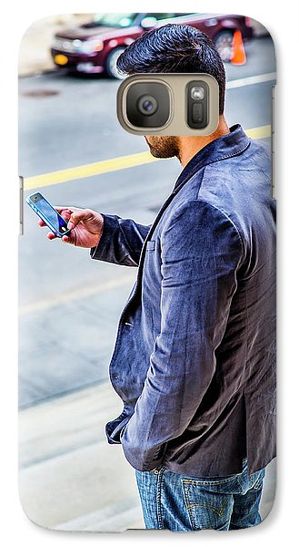 Man Texting Galaxy S7 Case