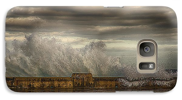 Galaxy Case featuring the photograph The Malecon by R Thomas Berner