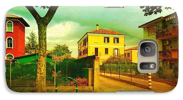Galaxy Case featuring the photograph The Yellow House by Anne Kotan