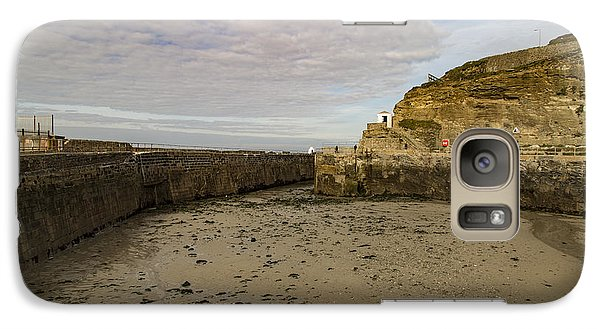 Galaxy Case featuring the photograph Tide Out Portreath by Brian Roscorla