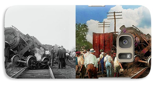 Galaxy Case featuring the photograph Train - Accident - Butting Heads 1922 - Side By Side by Mike Savad