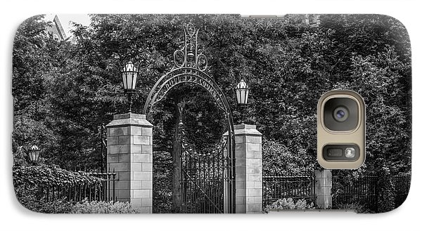 University Of Chicago Hull Court Gate Galaxy Case by University Icons