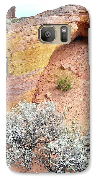 Galaxy Case featuring the photograph Valley Of Fire Arch Of Color by Ray Mathis