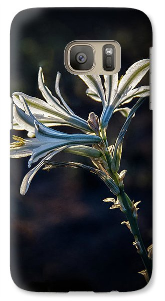 Galaxy Case featuring the photograph Vignetted Ajo Lily by Robert Bales