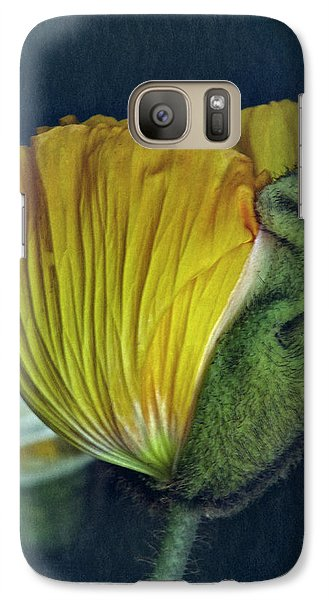 Galaxy Case featuring the photograph Vintage Poppy 2017 No. 1 by Richard Cummings