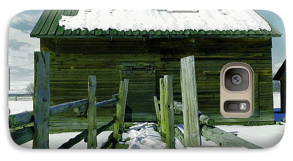 Galaxy Case featuring the photograph Walkway To An Old Barn by Jeff Swan