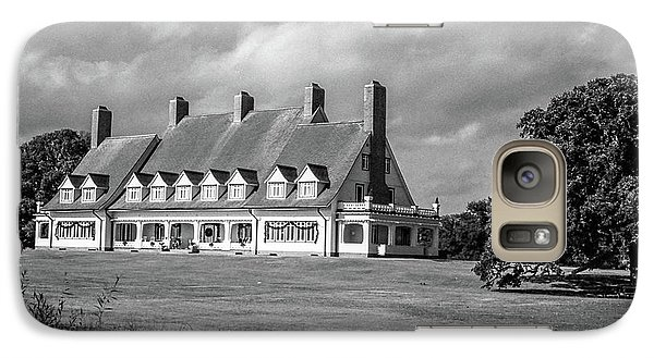 Galaxy Case featuring the photograph Whalehead Club by David Sutton