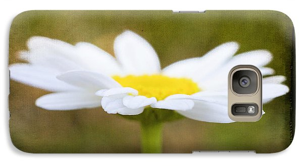 Galaxy Case featuring the photograph White Daisy by Eduard Moldoveanu
