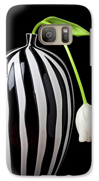 Tulip Galaxy S7 Case - White Tulip In Striped Vase by Garry Gay