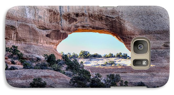 Galaxy Case featuring the photograph Wilson Arch In The Morning by Alan Toepfer
