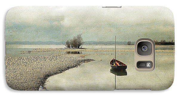 Galaxy Case featuring the photograph Winter Morning By The Lake by Chris Armytage