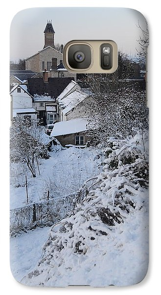 Galaxy Case featuring the photograph Winter Scene In North Wales by Harry Robertson