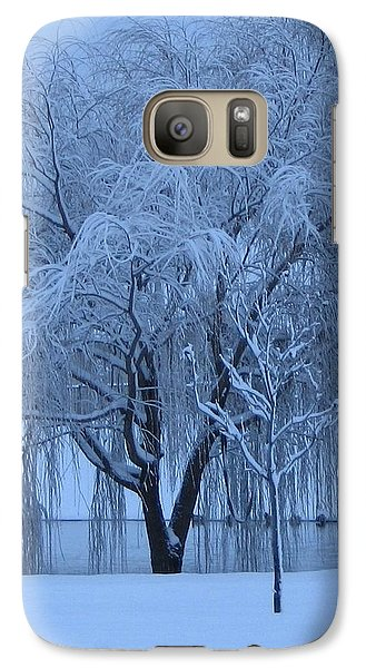 Galaxy Case featuring the photograph Winter Willow Tree Before Dawn_fort Worth_tx by Barbara Yearty