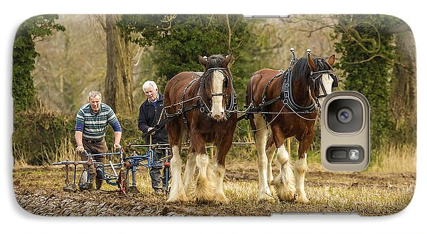 Galaxy Case featuring the photograph Working Horses by Roy McPeak