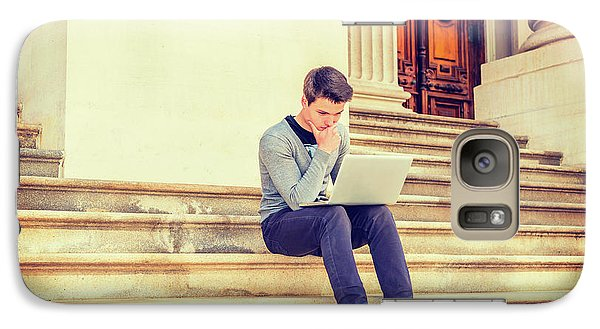 Young College Student Studying In New York 15042516 Galaxy S7 Case