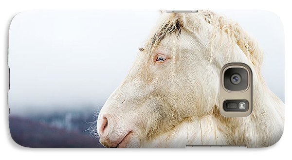 Pasture Galaxy S7 Case - Albino Horse With Eyes Blue On The Snow by Massimiliano Marino