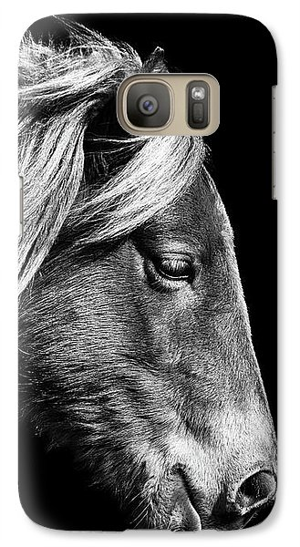 Galaxy S7 Case featuring the photograph Assateague Pony Sarah's Sweet Tea B And W by Bill Swartwout Fine Art Photography