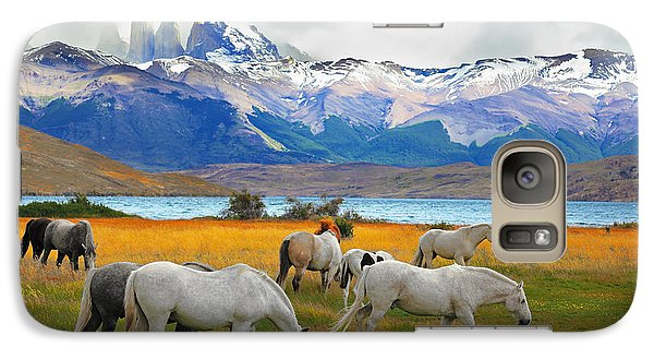 Pasture Galaxy S7 Case - Beautiful White And Gray Horses Grazing by Kavram