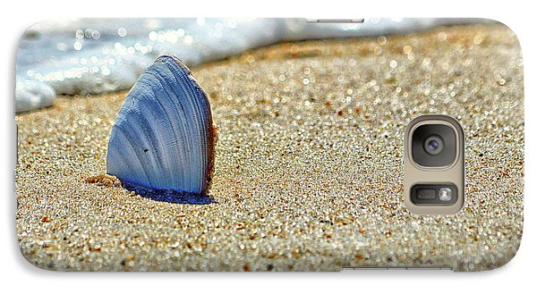 Galaxy S7 Case featuring the photograph Clamshell On The Beach At Assateague Island by Bill Swartwout Fine Art Photography