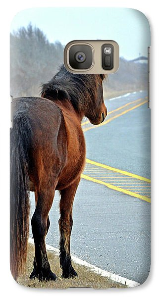 Galaxy S7 Case featuring the photograph Delegate's Pride Awaiting Tourists On Assateague Island by Bill Swartwout Fine Art Photography