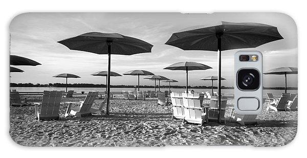 Umbrellas On The Beach Galaxy Case