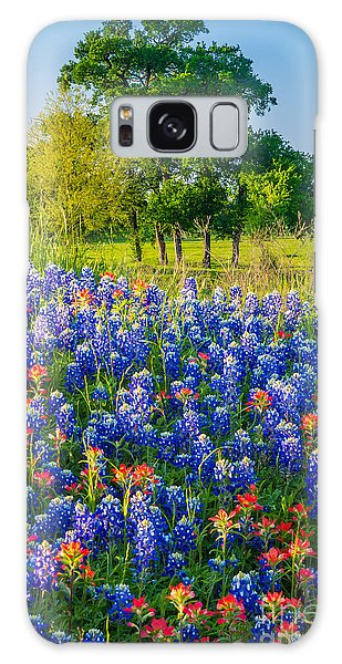 Expanse Galaxy Case - Bluebonnet Pasture by Inge Johnsson
