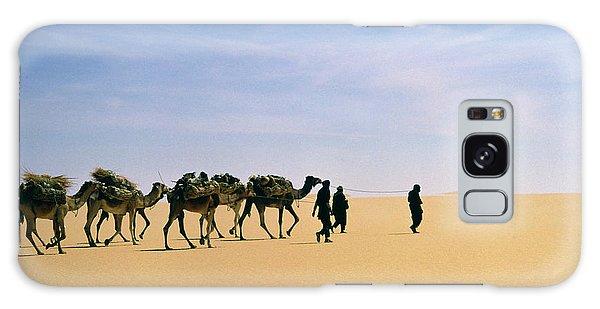 Caravan Galaxy Case - Camel Caravan In Western Tenere Desert by Tony Buxton/science Photo Library