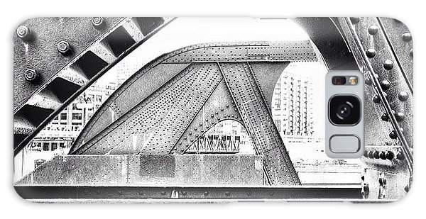 Architecture Galaxy Case - Chicago Bridge In Black And White by Paul Velgos