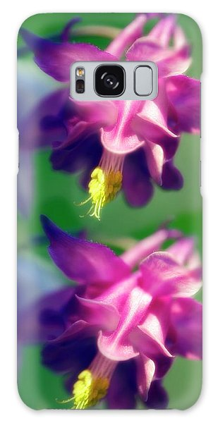 Aquilegia Galaxy Case - Columbine Flowers (aquilegia Sp.) by Maria Mosolova/science Photo Library