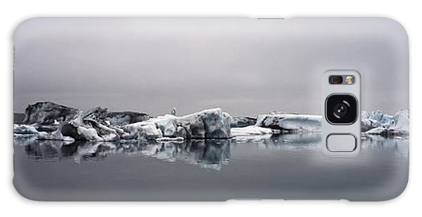 Cloudscape Galaxy Case - Floating Icebergs On The Glacier Laggon by Henn Photography