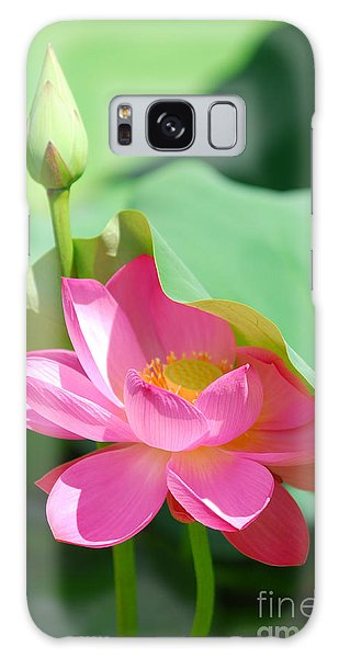 D48l-96 Water Lily At Goodale Park Photo Galaxy Case