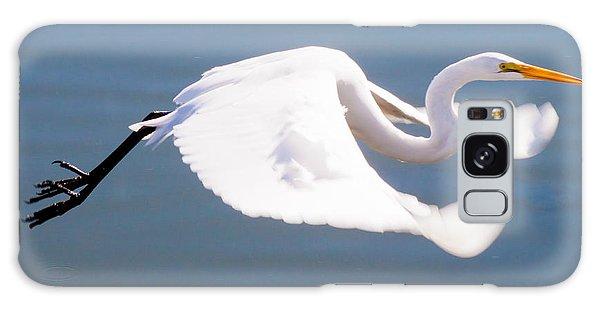 Great Egret In Flight Galaxy Case