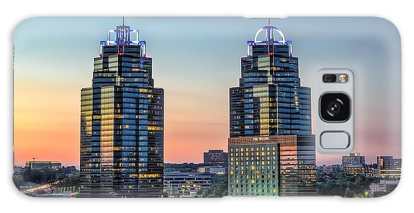 King And Queen Buildings Galaxy Case