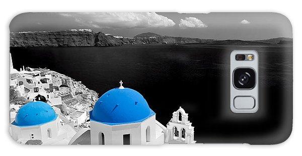 Oia Town On Santorini Island Greece Blue Dome Church Black And White. Galaxy Case