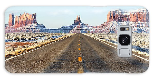 Southwest Usa Galaxy Case - Road Lead Into Monument Valley by King Wu